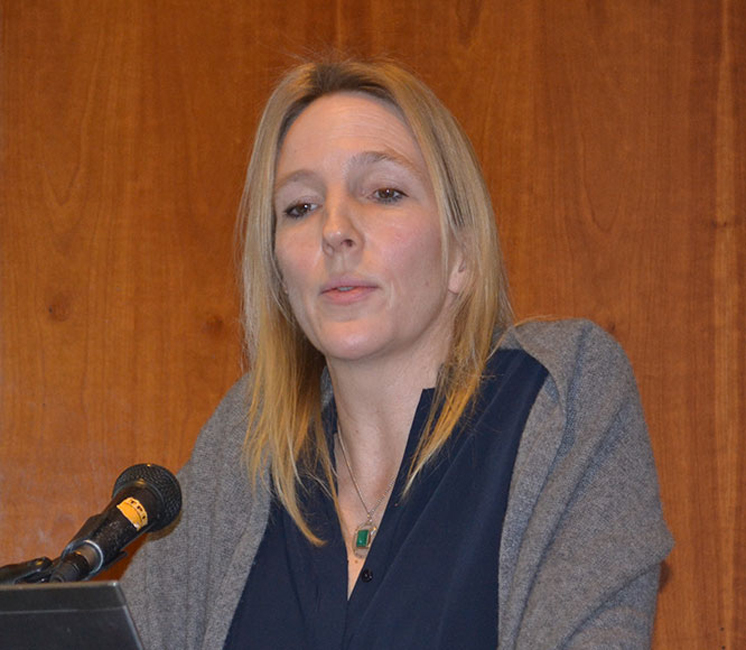 Prof Dr Christine Winter