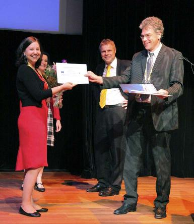 Professor Denise Manahan-Vaughan (Second from left), the Chair of the Network of European Neuroscience Schools (NENS) chaired the award ceremony. Dr. Rainer Girgenrath (right) handed the award to Heidi Nousiainen (left). Dr. Erkki Raulo (second from right) was responsible for the management of the award in ERA-NET NEURON.